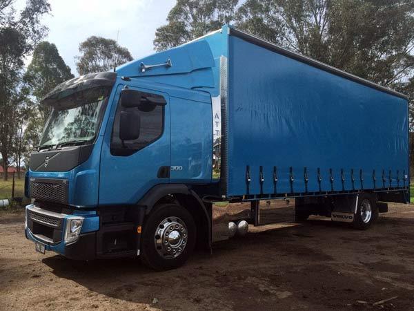 Sostituzione-parabrezza-camion-faenza